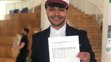 Photo of طالب سوري يحصل على العلامة الكاملة في الثانوية العامة بعد ثلاث سنوات في الدنمارك