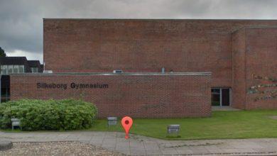 صورة إغلاق مدرسة ثانوية في Silkeborg وإرسال 1500 طالب لمنازلهم بسبب ظهور إصابات بالفايروس
